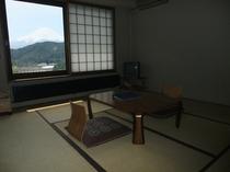和室から眺める富士山