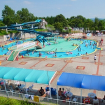 ★夏季限定★屋外プール