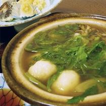 *夕食一例/秋田ならではの郷土料理をお出しすることも。(献立例:だまっこ汁)