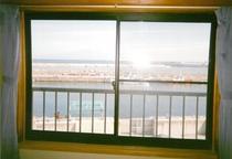 客室より鳥海山を望む