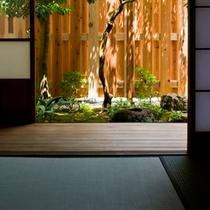 【坪庭】お部屋から眺めるプライベート感のある坪庭