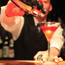 【バー】ジャパニーズバー「和久楽」では、店主の秘蔵酒・焼酎・ワイン・カクテルを揃えております。
