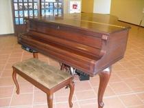 1階ロビーにございます電子ピアノ