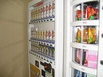 3階アルコール類と軽食販売コーナー