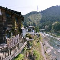 *御岳渓谷の景観美と月ごとに替わる奥多摩の旬味を堪能できる料理自慢の純和風旅館。