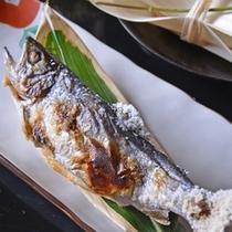 *お夕食一例(野遊)/多摩川上流に佇む当館ならではの一品。季節の川魚をシンプルな塩焼きで。
