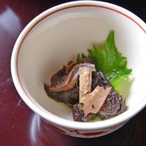 *お夕食一例(高水)/奥多摩の幸を丹念に吟味した豪華山里会席料理。もちろん器にもこだわりが。