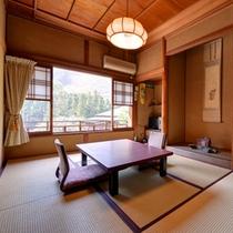 *菊の間/畳の香りがほのかに薫るお部屋で団欒のひと時をお過ごし下さい。