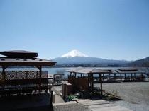 コテージ戸沢センターより眺めた富士山
