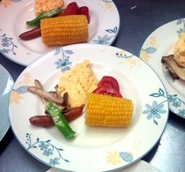 814トウモロコシ朝食