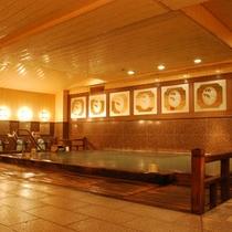 総檜本造り大浴場「朱雀の湯」