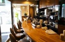 ご朝食会場1Fカフェ&バー