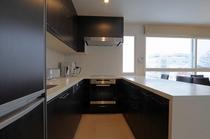 アパートメント  デザイナーズキッチン 芸術性の高いミーレ製を使用