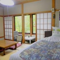 *【本館和洋室:まんさく】和室+ベッドのあるお部屋。ファミリーに人気があります。