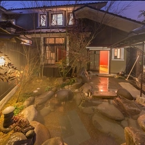 はなれ客室Cタイプ:スイート   浪漫閣月の花/専用露天風呂