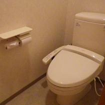 *ツインルームのトイレ