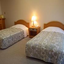 *ツインルーム。静かな環境の中、ベッドでぐっすりお休み下さい。