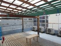 雨でも安心屋根付き物干し場