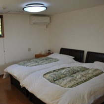 ツイン寝室2
