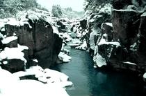 冬の厳美渓
