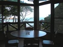 喫茶店、サービススペース
