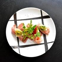 赤城山麓牛の炙り寿司。口に入れるとトロけるような柔らかさ♪