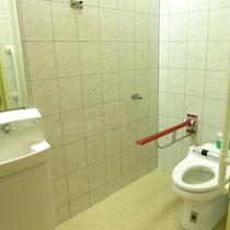トイレはバリアフリーとなっております