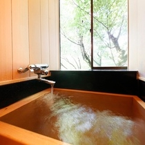客室/桧内風呂