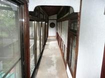 二階 廊下