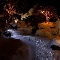 """【日本夜景遺産認定】""""冬の風物詩""""ロマンチックな『かまくら祭り』♪イベント盛りだくさんですッ!!"""