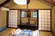 老松を一望できる六畳の和室「羽島」