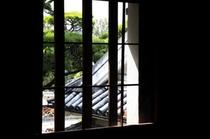 格子窓からの眺め