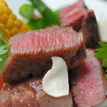 上質なお肉は、とっても柔らかでとろける旨みが!