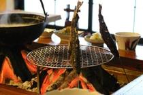 ヤマベの囲炉裏焼き