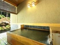 離れ棟客室露天風呂 一例