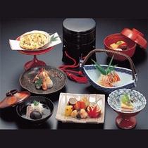 *懐石料理(ご夕食一例)