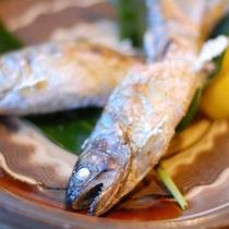 【夕食】ヤマメの塩焼き/例