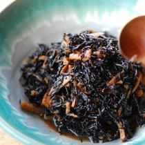 【朝食】ひじき/お惣菜バイキング例