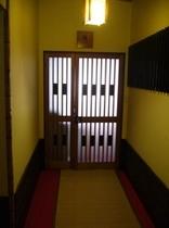 鶴の間入り口2
