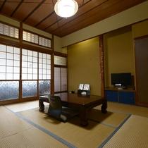 【和室一例】ゆったりとお寛ぎ下さい。広さは客室により異なります。