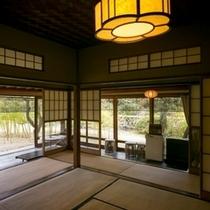 藁の家 居室