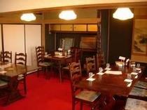 レストラン奥の和室