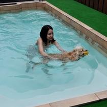 ボク、はじめてのプール体験♪