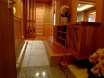 スイートルーム 胡蝶蘭の間 玄関スロープ