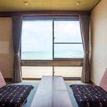 *【客室一例】ほとんどのお部屋から海が眺められます♪