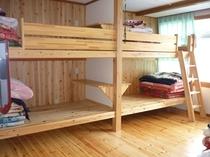 2段ベッド10畳ルーム