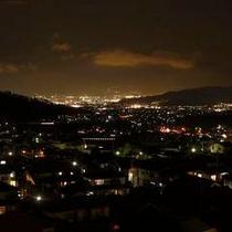 お部屋からも夜景が見えます