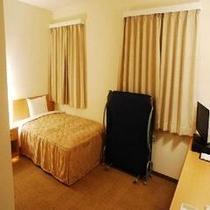 【バリアフリールーム】120cm幅ベッド1つ、簡易仮設ベッド1つ