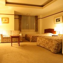 デラックスツイン★33平米(ベッド幅120cm+ソファベッド