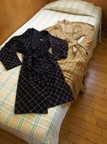 ご就寝時の部屋出用ガウン(バスローブではありません)